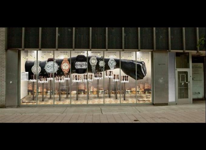 Оформление витрин на выставочных